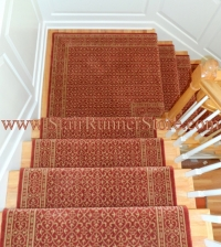 landing-stair-runner-installation-0300