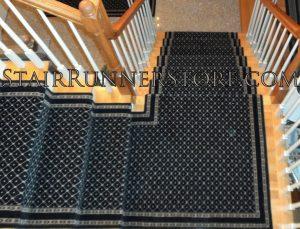 San Lorenzo Stair Runner Landing Installation